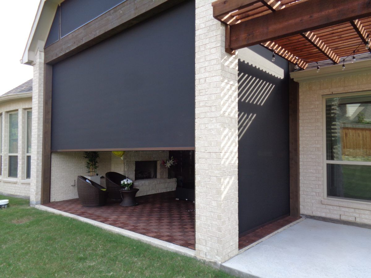view of installed retractable screen
